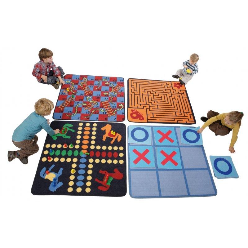 L'ensemble 4 tapis de jeux classiques