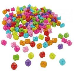 Bocal 650 (environ) perles à emboîter plastique multicolores.